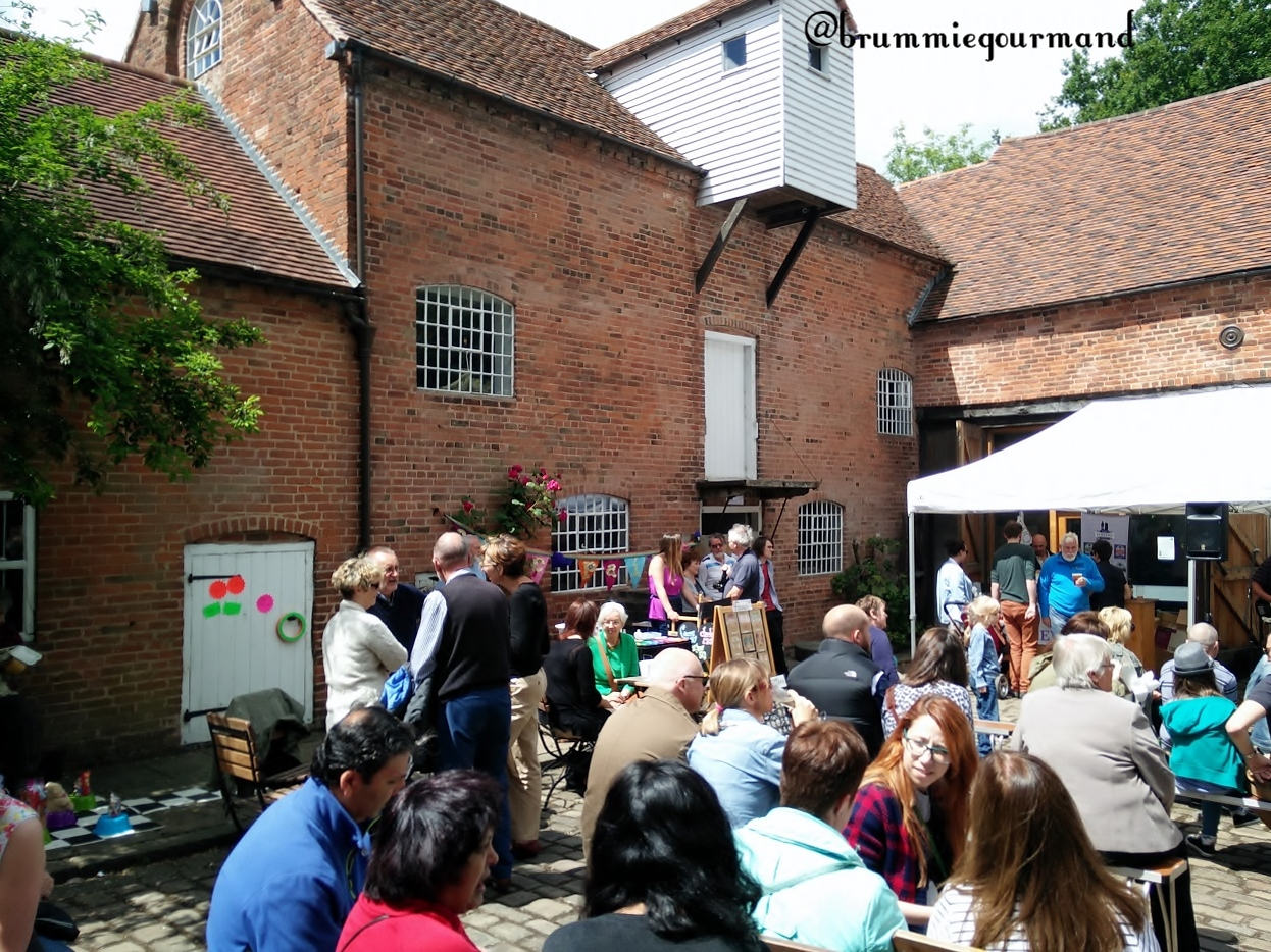 A Sunny Sunday at Sarehole – Flying Teapot Food Market