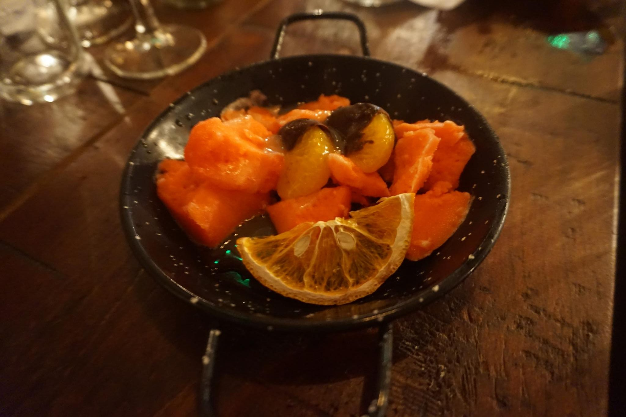 GUEST POST – CARAMELLATTEKISS GOES TO THE BULLS HEAD WITH LANGLEY'S GIN